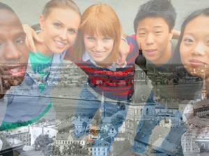 а последние годы в Латвию приехали почти 60 000 граждан из третьих стран.